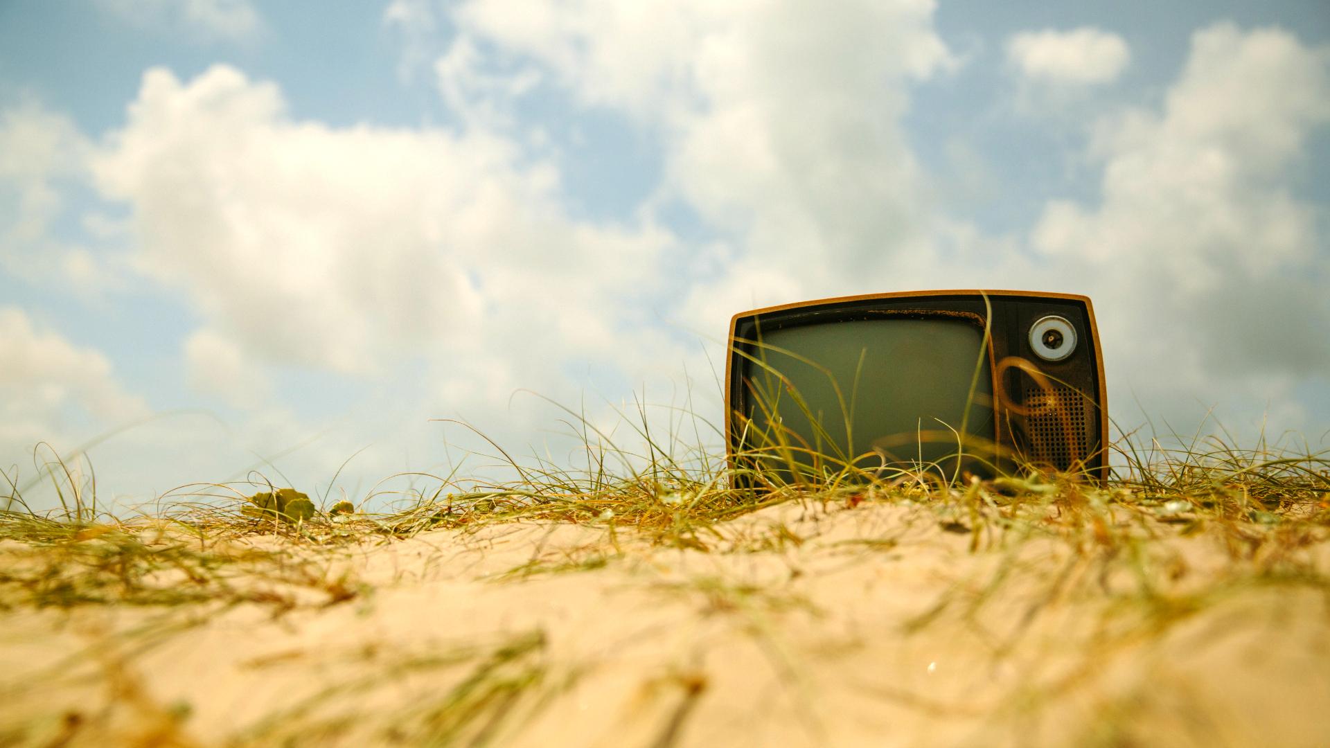 Online video content: understanding the future of TV